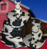 Cow sculpted with fondant icing